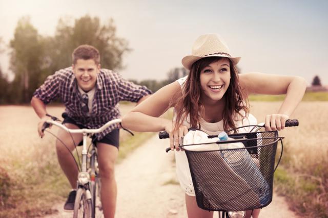 mladí na kole_web
