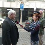 prof. Kvapil s novináři_web